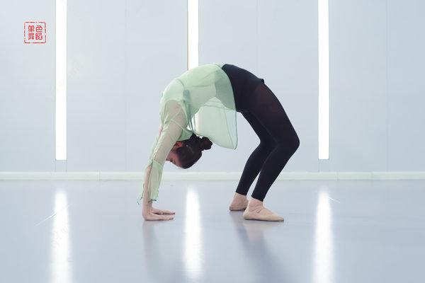 中国舞下腰视频教学 正确的下腰方法